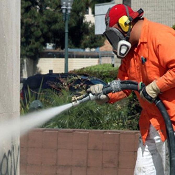 Limpieza de pintadas y grafitis