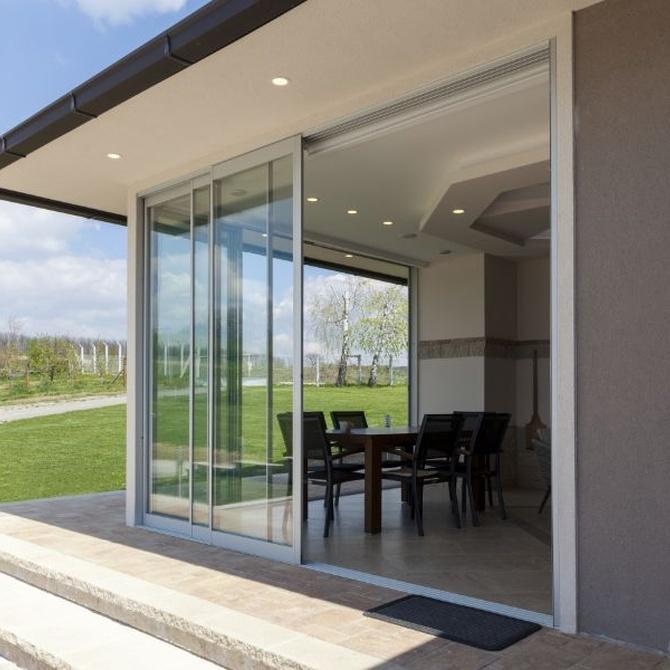 Tipos de puertas de aluminio para exteriores