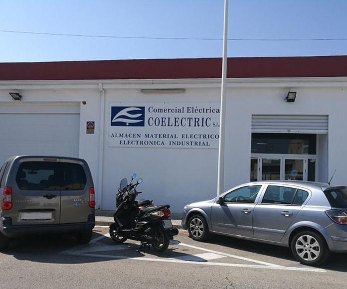 Almacén de electrónica industrial: Servicios de Comercial Eléctrica Coelectric S.L
