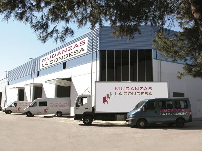 Flota de vehículos: Servicios y Flota de Mudanzas La Condesa