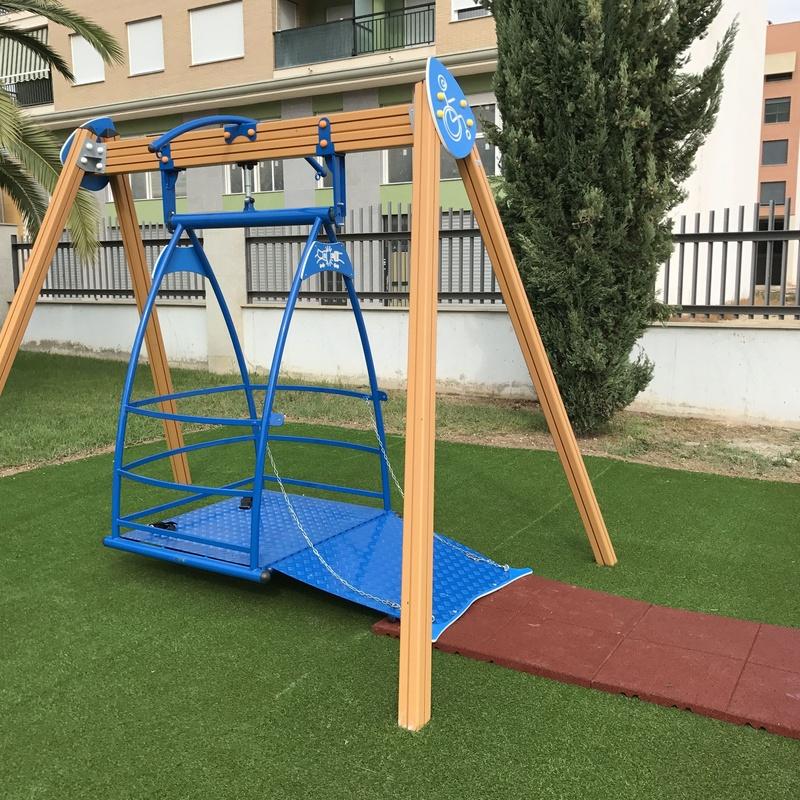 Parques Infantiles inclusivos: Productos de Flama Levante