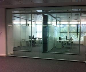 Instalación de mamparas para oficinas