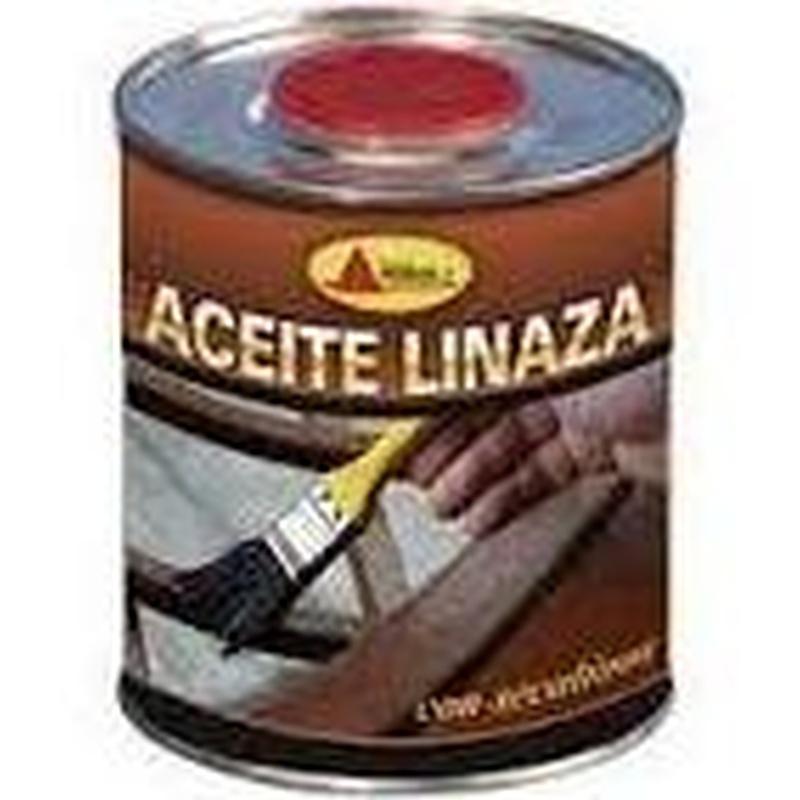 Aceite de linaza en el almacen de pinturas en ventas.