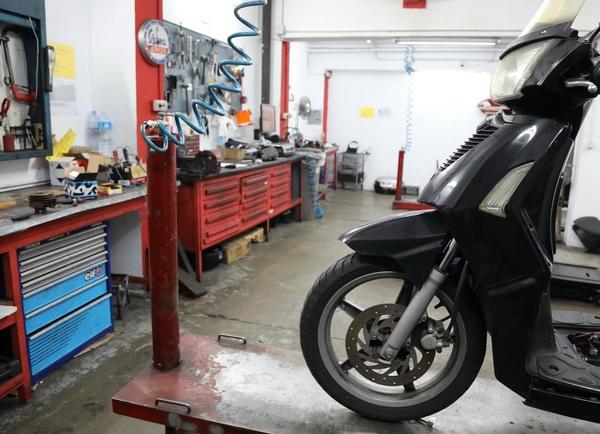 Reparar motos en Nou Barris, Barcelona, de las marcas Kymco y Honda