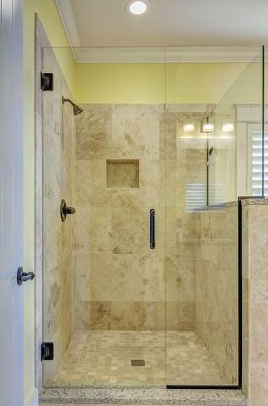 Instalación mamparas baño: Servicios de Francisco Ramírez Fontanería y Calefacción