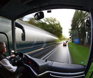 Pautas exigidas para conducir un autobús