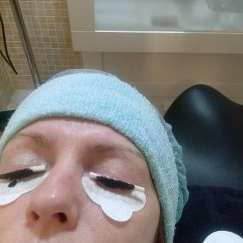 Tratamientos para cejas: Servicios y Productos de Cómplices Peluquería y Estética