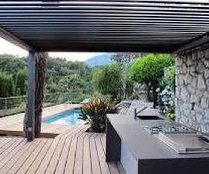PERGOLA BIOCLIMATICA: Servicios de Exposición, Carpintería de aluminio- toldos-cerrajeria - reformas del hogar.