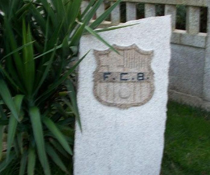 Grabado y tallado de escudos en piedra