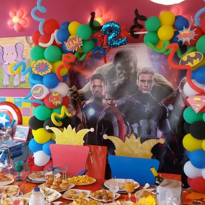 Disfrutar de una fiesta de cumpleaños temática