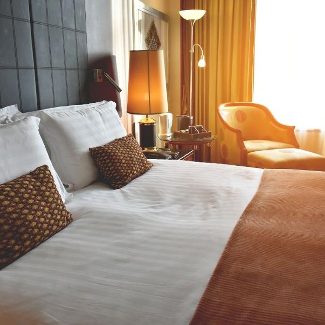 ¿Por qué se ven siempre tan limpias las sábanas de los hoteles?