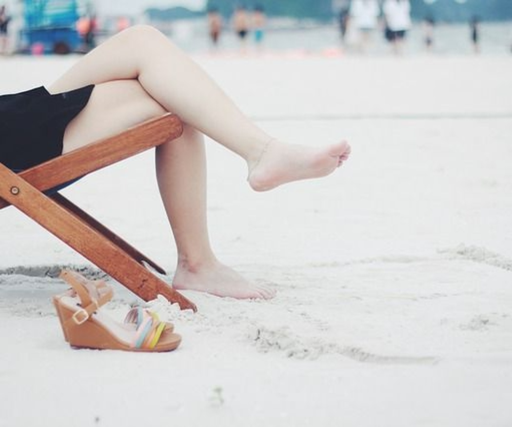 Por qué no debes tomar el sol antes y después de una sesión de depilación láser