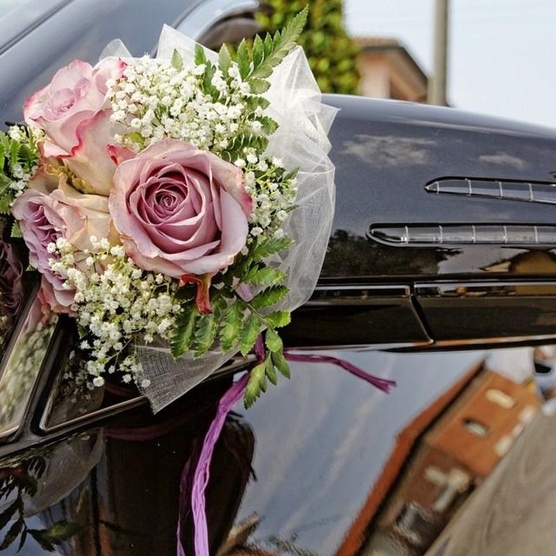 Decoración coche: TIENDA ONLINE Y CATÁLOGO de Floristería y Regalos Caprichos Parla