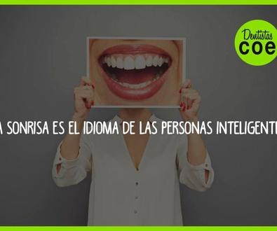 La sonrisa es el idioma de las personas inteligentes