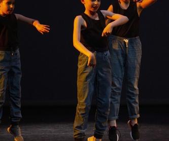 Grau Mitjà: Catálogo de Escola de Dansa Spin