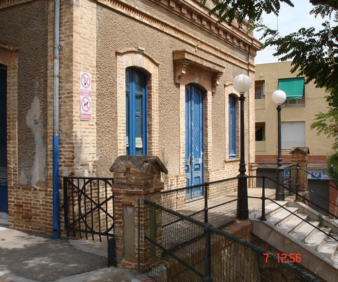 Ay. de St Feliu de Guíxols. Colegio de l'Estació. Girona
