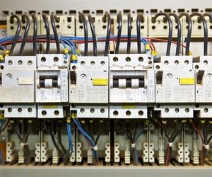 Distribuidores de material electrónico