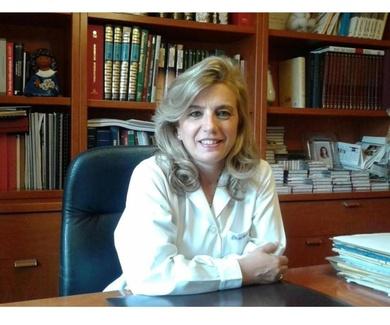 Curriculum vitae de la médico foniatra Dra. Consuelo Fernández-Salazar Vegas