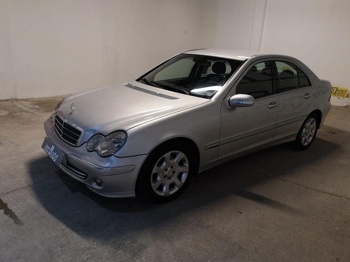Mercedes E 270 Automático: Servicios de Iscauto