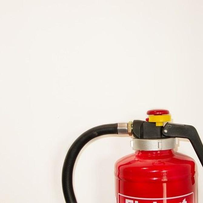 ¿Cómo saber si es posible recargar un extintor?