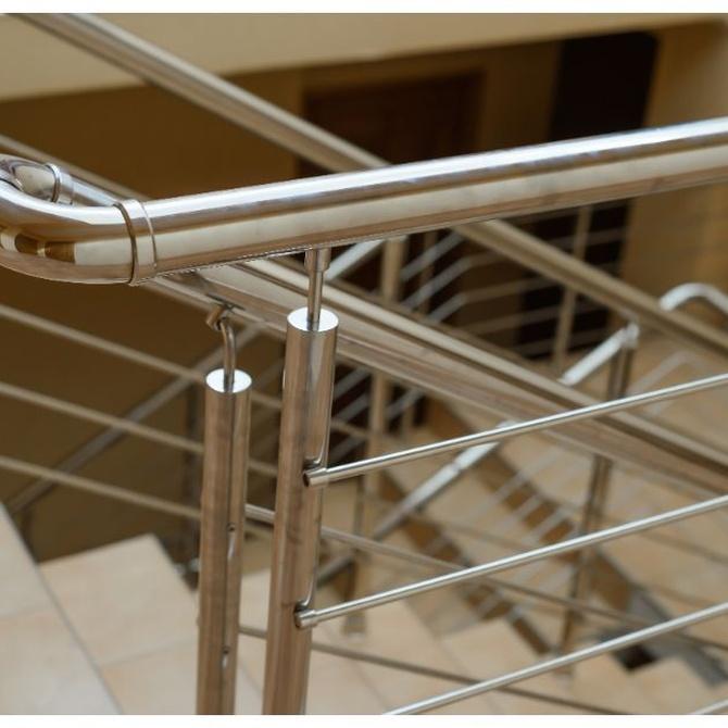 Diferencias en las propiedades de aluminio y el acero inoxidable