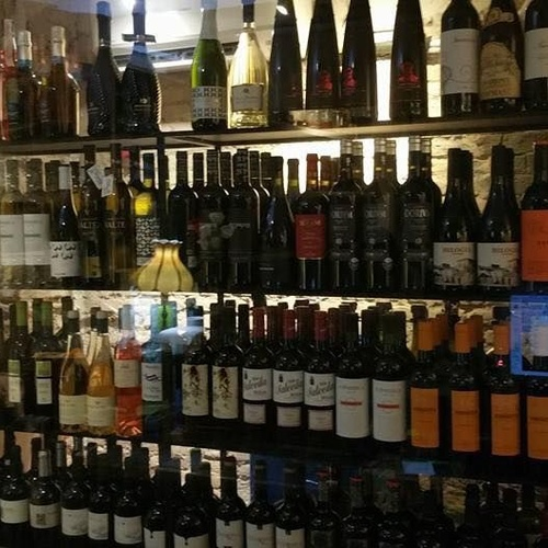Amplia carta de vinos en Valencia