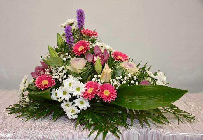 Centro de flor, forma L: PRODUCTOS Y SERVICIOS  de Floristería Contreras - BARTOLOMÉ CONTRERAS