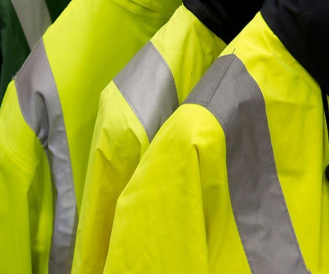 La visibilidad en uniformes de trabajo