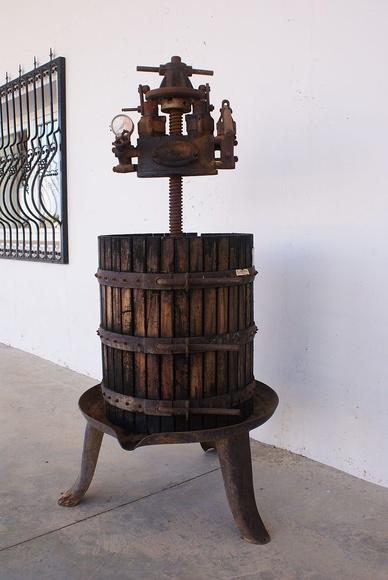 Herramientas para fabricar vino: Vinos de Bodegas Los Jumillanos