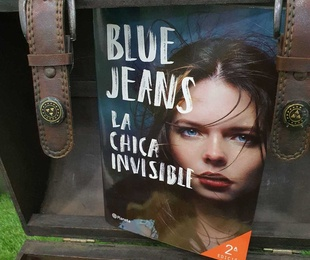 COLECCIÓN BLUE JEANS .....LA CHICA INVISIBLE