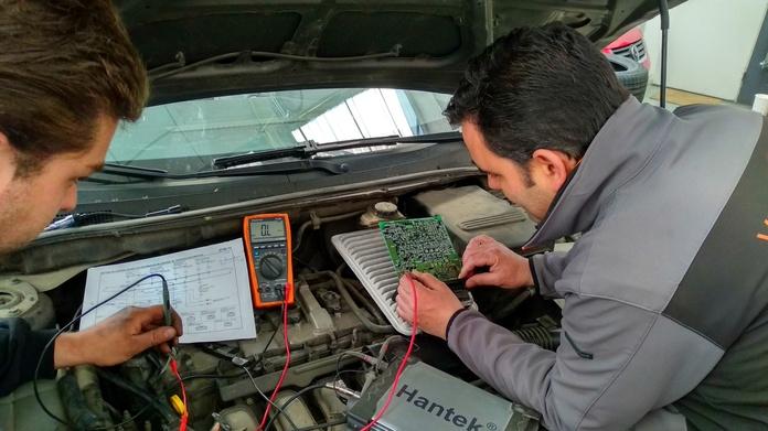 Servicio de electronica del automovil: Taller de VERTRISA, S.L.