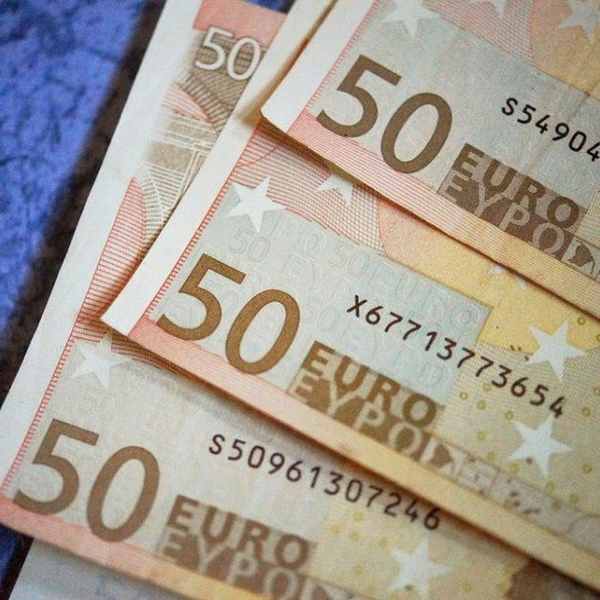 ¿Cómo distinguir un billete falso de 50 euros?