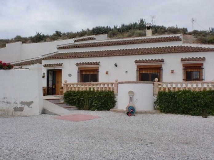 Casa pueblo en Castillejar: Inmuebles de PP Luis Gestión Inmobiliaria