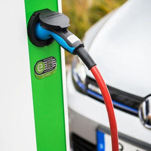 Instalación puntos eléctricos para recargar coches
