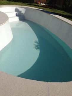 Revestimiento de gresite en piscinas de poliester