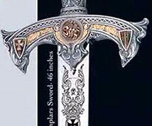 Espada Templaria grabada al ácido