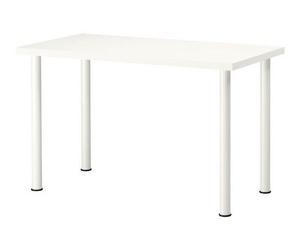 Mesa polivalente blanca.