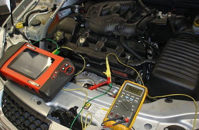 Taller reparación mecanico de coches y diagnosis