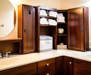 Cómo deben ser los muebles del baño