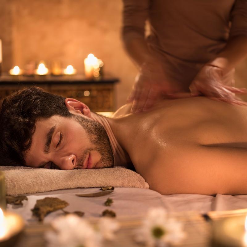 Masaje deportivo: Servicios y tratamientos de Ameli Style Salón de Belleza
