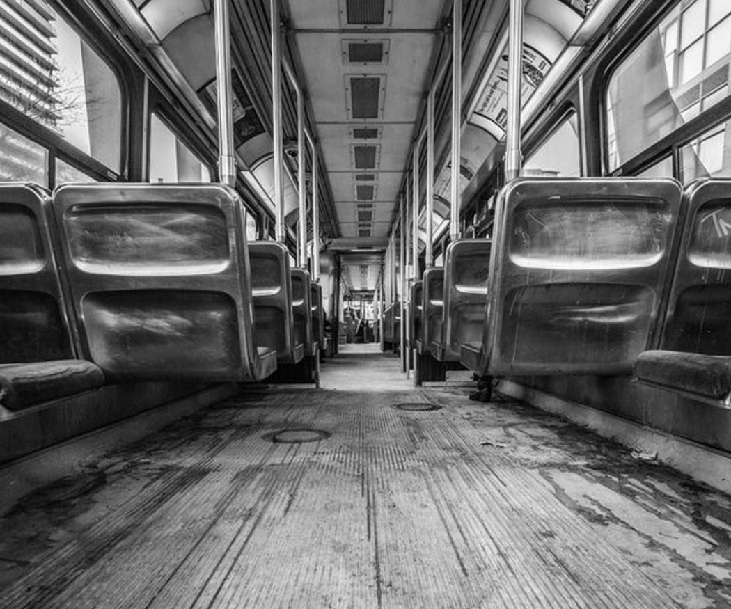 Cómo evitar el mareo en los autobuses
