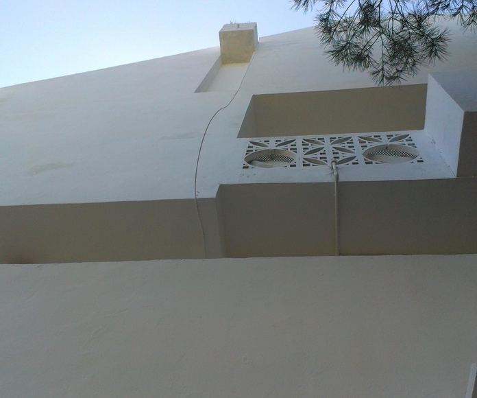 Fachada lateral restaurada , en Siesta