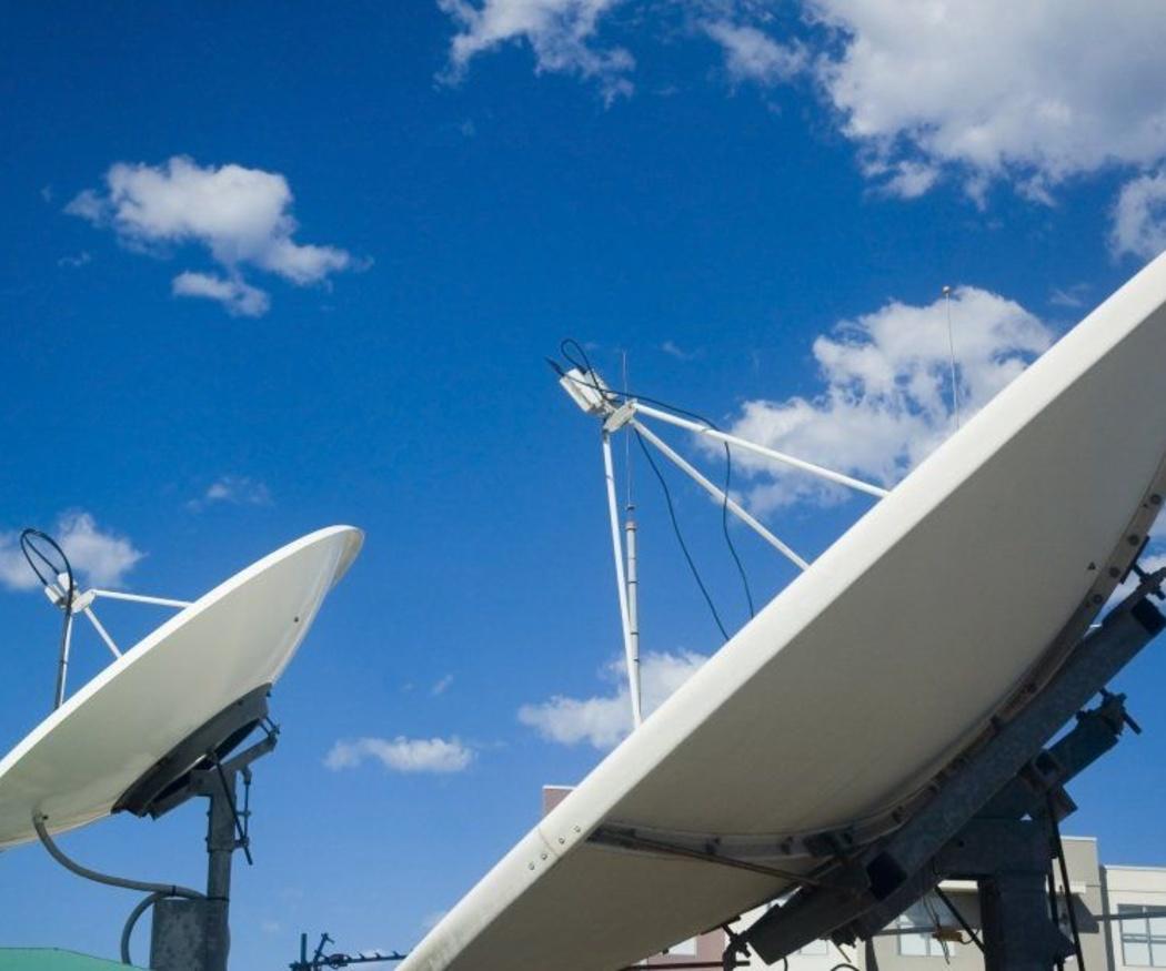 La antena parabólica y la comunidad de vecinos