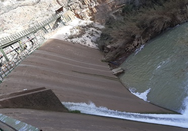Montaje de pasarela sobre presa C.H. ALMADENES (Murcia)