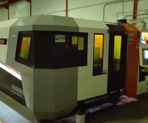 Sistema de corte por láser de fibra