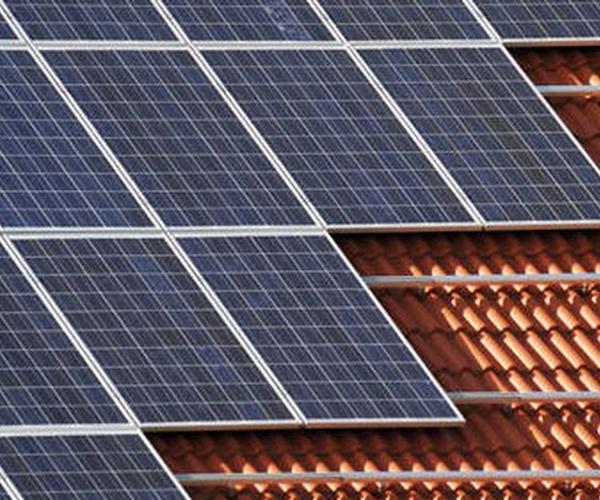 Instalación de placas de energía solar