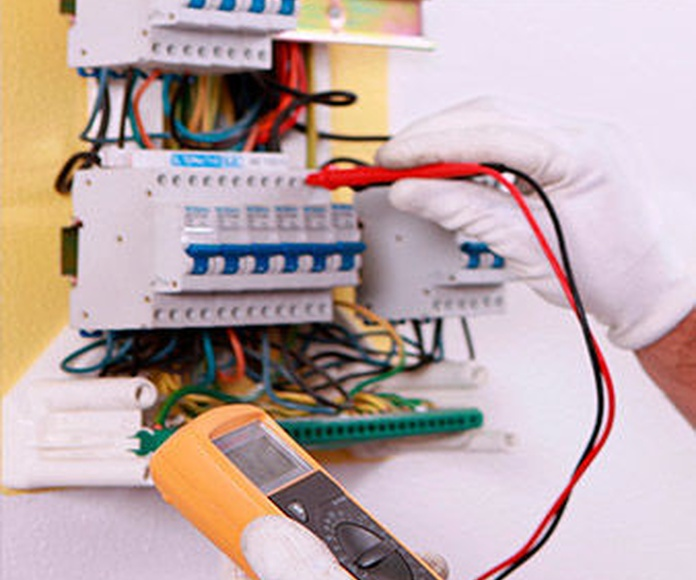 reparación e instalaciones de electricidad en Segovia