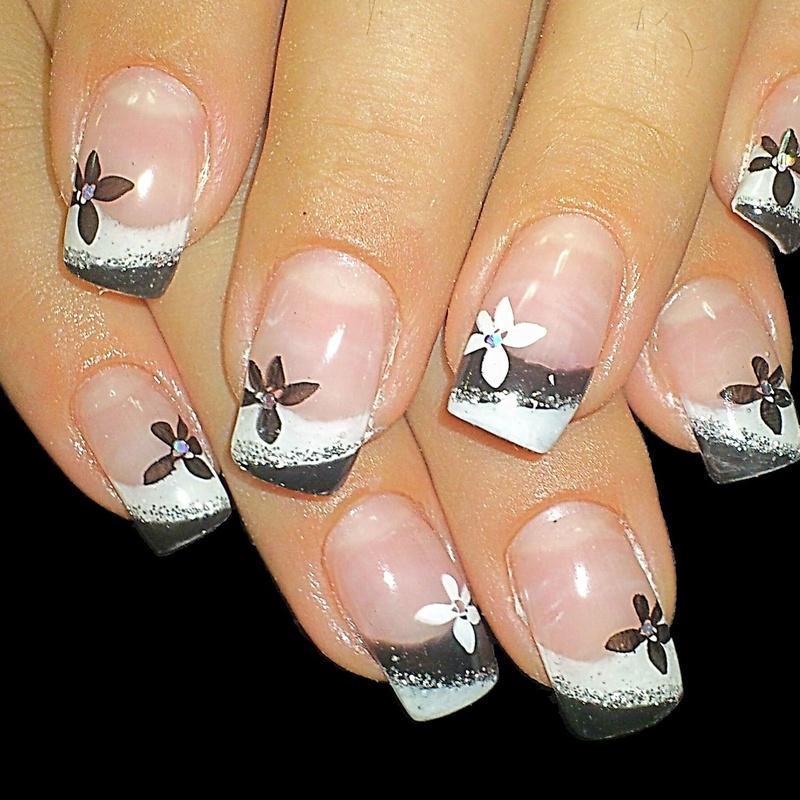 Belleza para tus manos: Servicios de Alejandra Estética y Belleza