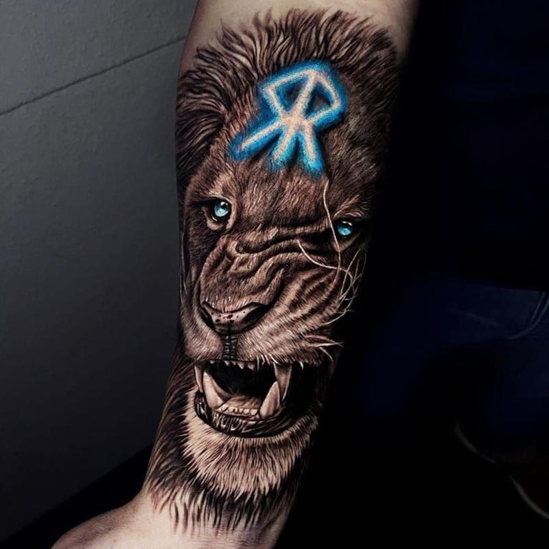 Alessio Coure - Tatuador colaborador: Productos de Adictos Tenerife