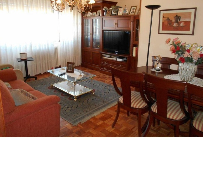 Zona Calle Madrid: Venta y alquiler de inmuebles de Inmobiliaria Renedo
